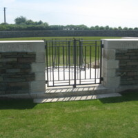 Zivy Crater CWGC WWI Cemetery.JPG
