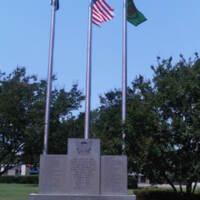 Paris Junior College TX Memorial to Students Wars of 20th Century.jpg